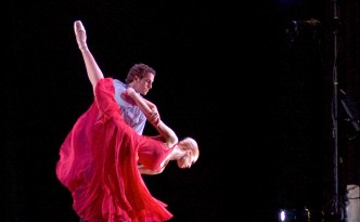 "Adam Schnell and Erika Overturff in Wade Schaaf's ballet ""Somewhere in the Middle,"" performed by Omaha Theater Ballet in April 2006."