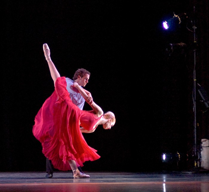 """Adam Schnell and Erika Overturff in Wade Schaaf's ballet """"Somewhere in the Middle,"""" performed by Omaha Theater Ballet in April 2006."""